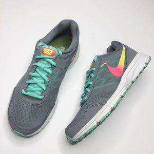Nike aeroply tennis shoes Gray and turquoise 7